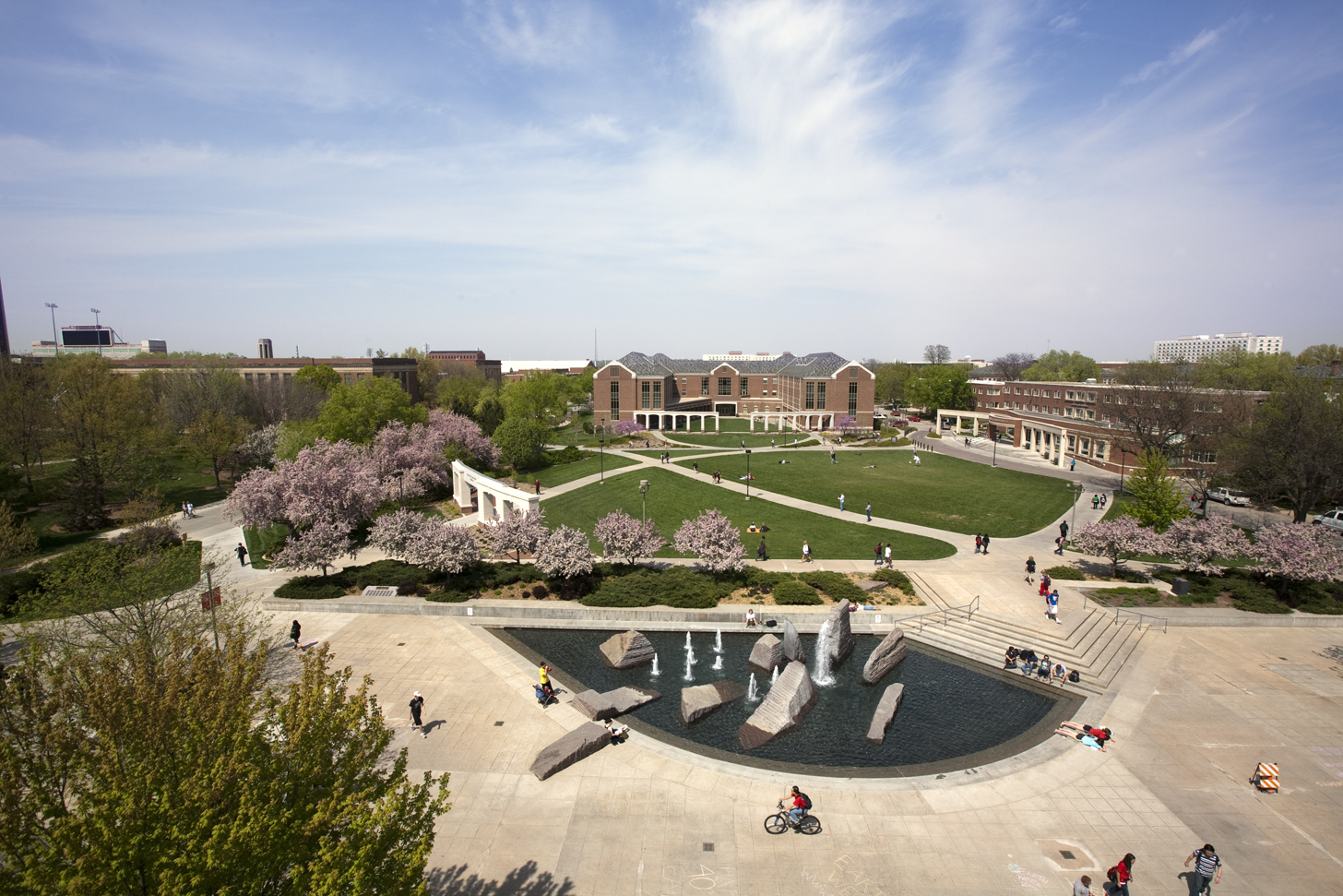 Overhead view of Broyhill Fountain in Union Plaza