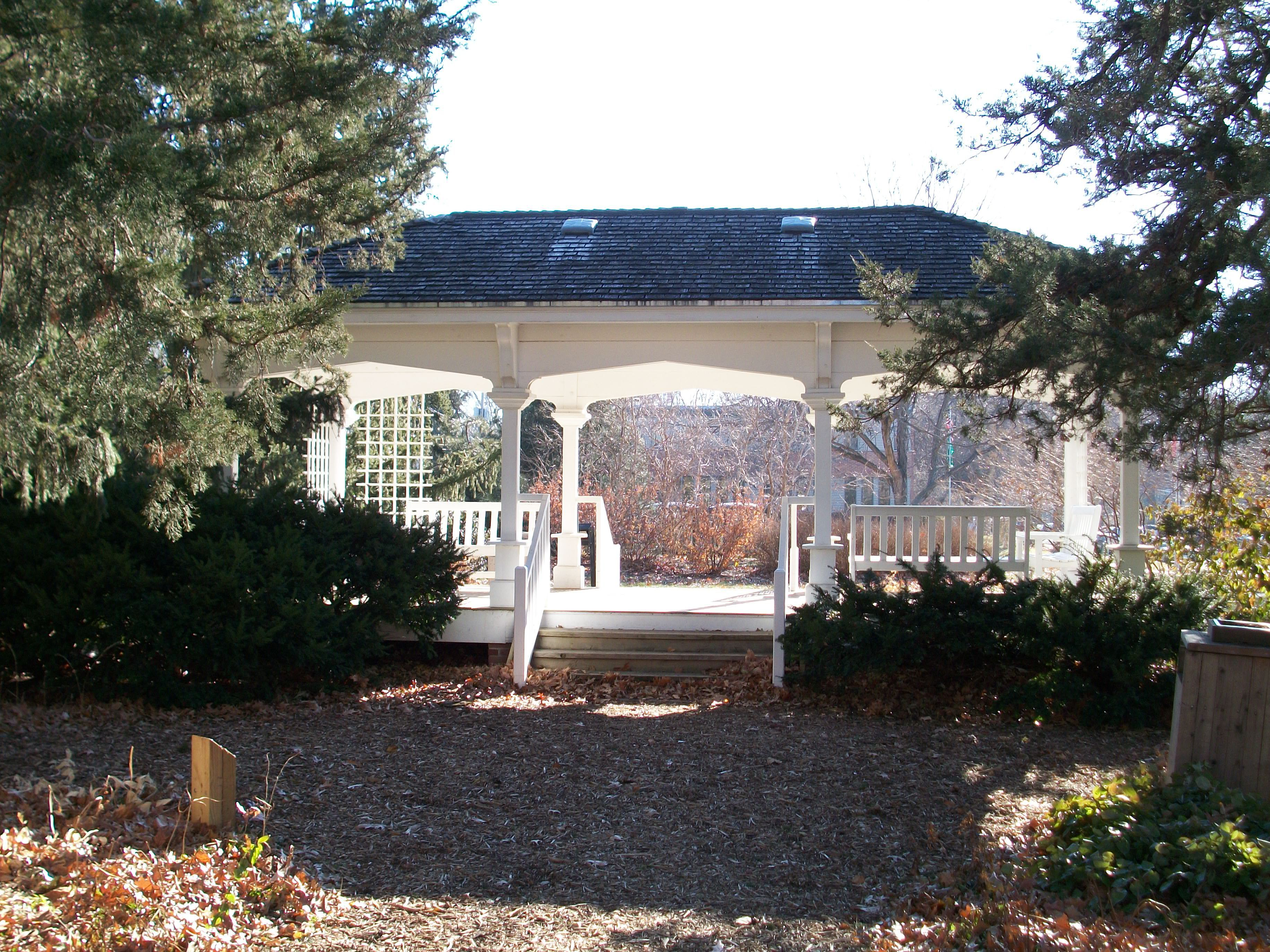 Photo, The Porch, East Campus