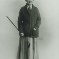 Louise Pound with golf club