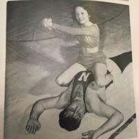 380105-lady-wrestler.jpg