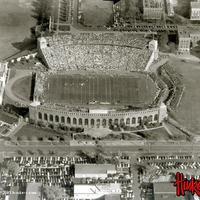 memorial stadium old pic.jpg