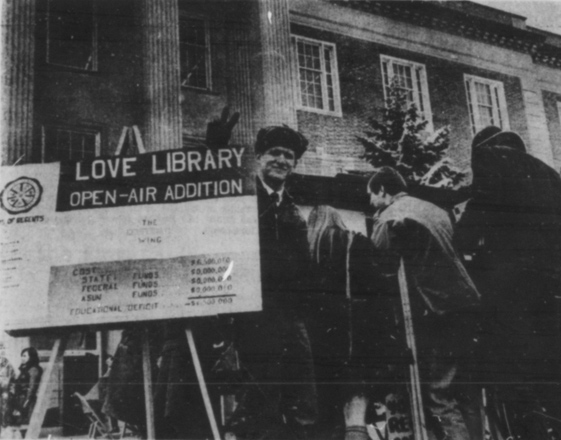 A photograph of the Love Library protest and demonstration from the March 7, 1969 Daily Nebraskan, c. 1969.