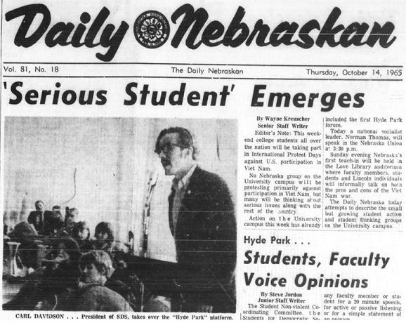 Carl Davidson speaks to students at Hyde Park, 1965.  DOI: 1